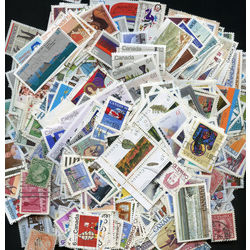 Collection of 1800 canada stamps