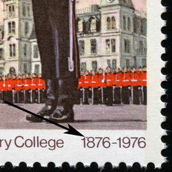 canada stamp 693iii wing parade and mackenzie building 8 1976